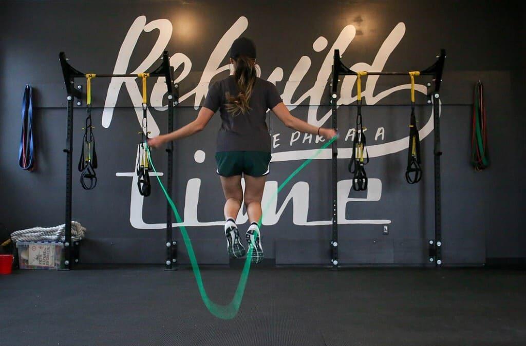Quanto-deve-essere-lunga-la-corda-per-saltare