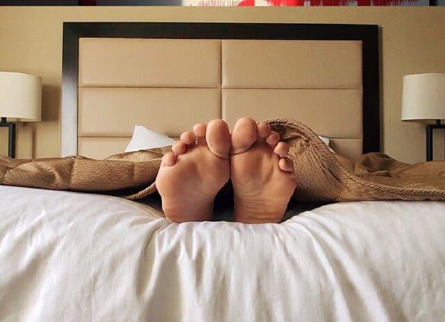 Qual-e-la-causa-dei-piedi-caldi